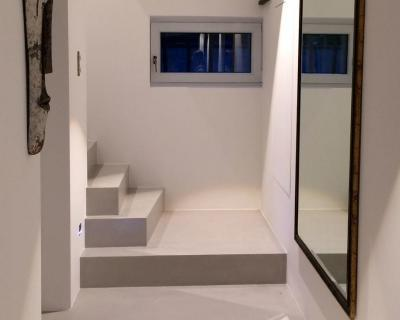 Microcemento pasillo y escalera