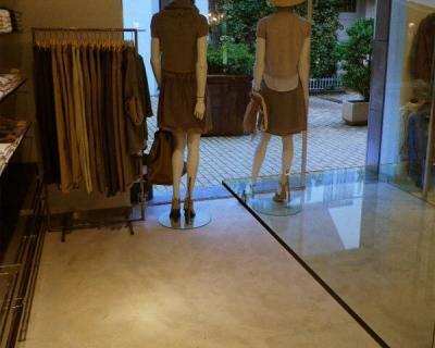 suelo de microcemento en tiendas