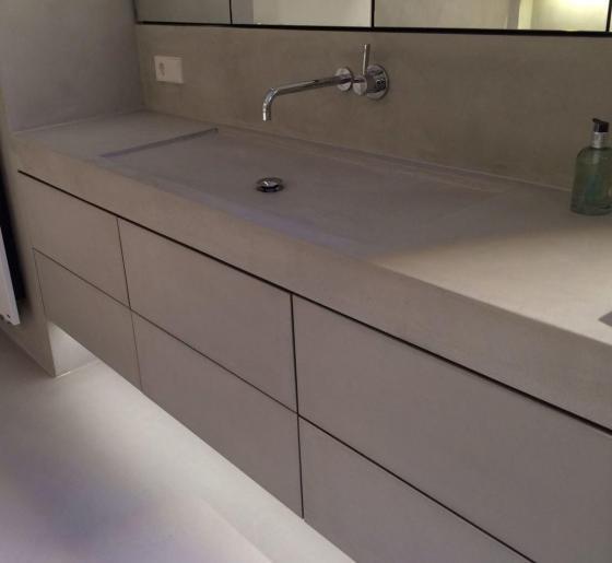 Microcemento Resistone mueble lavabo, paredes y suelo