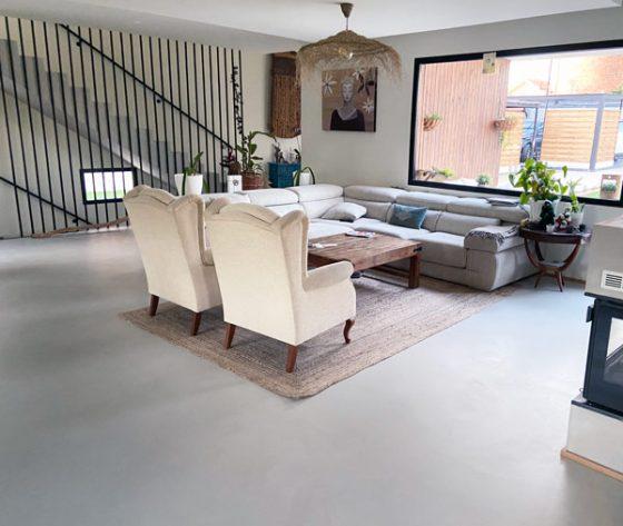 salon-suelo-microcemento-resistone